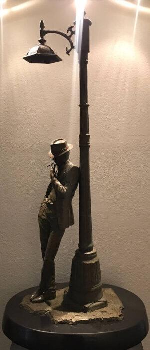 Smoking under the Light (sculpture)